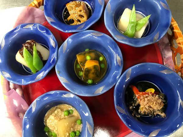 季節の野菜の煮物六種盛